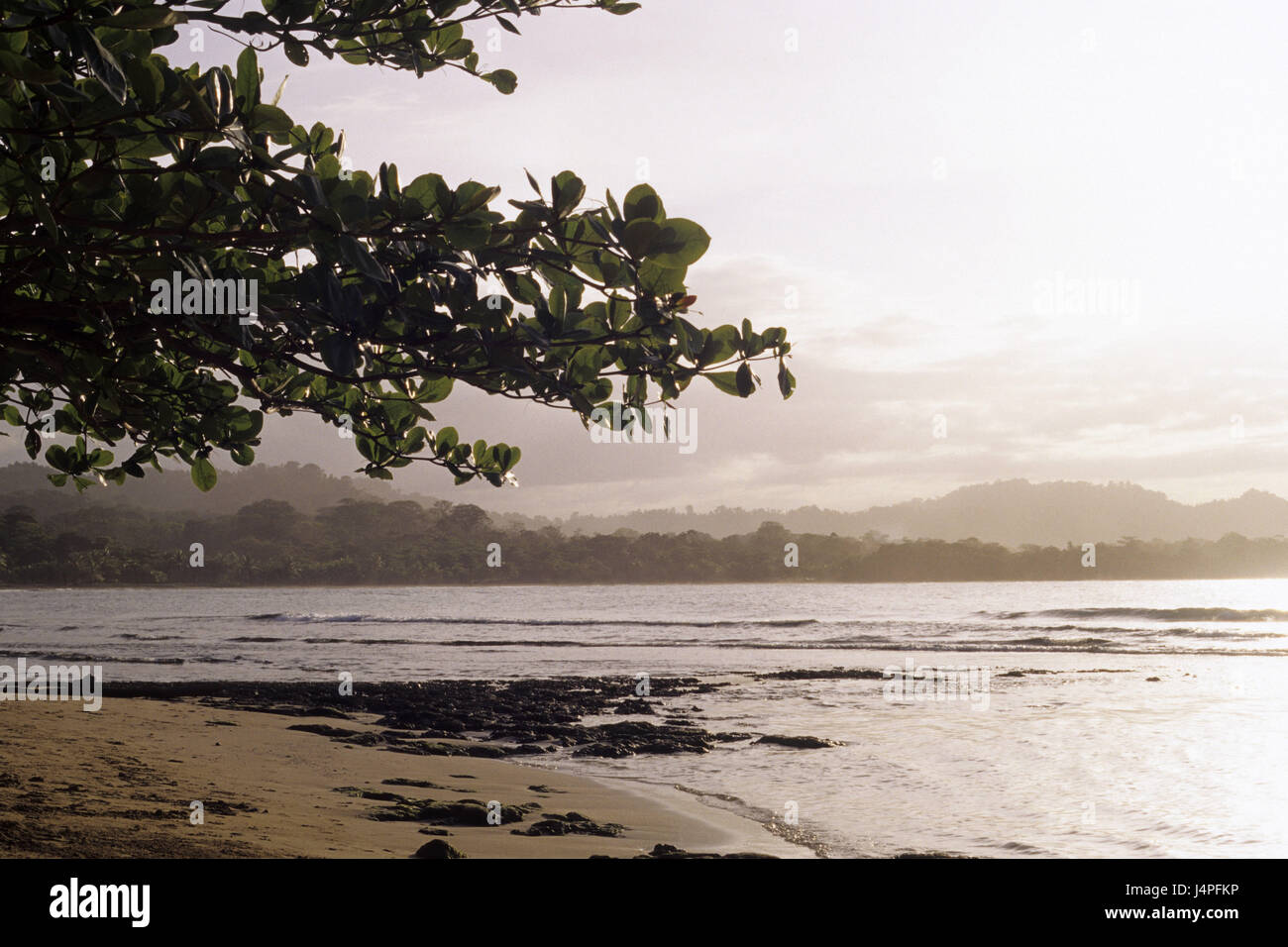 Costa Rica, Puerto Viejo de Talamanca, Plage, Coucher du soleil, Photo Stock