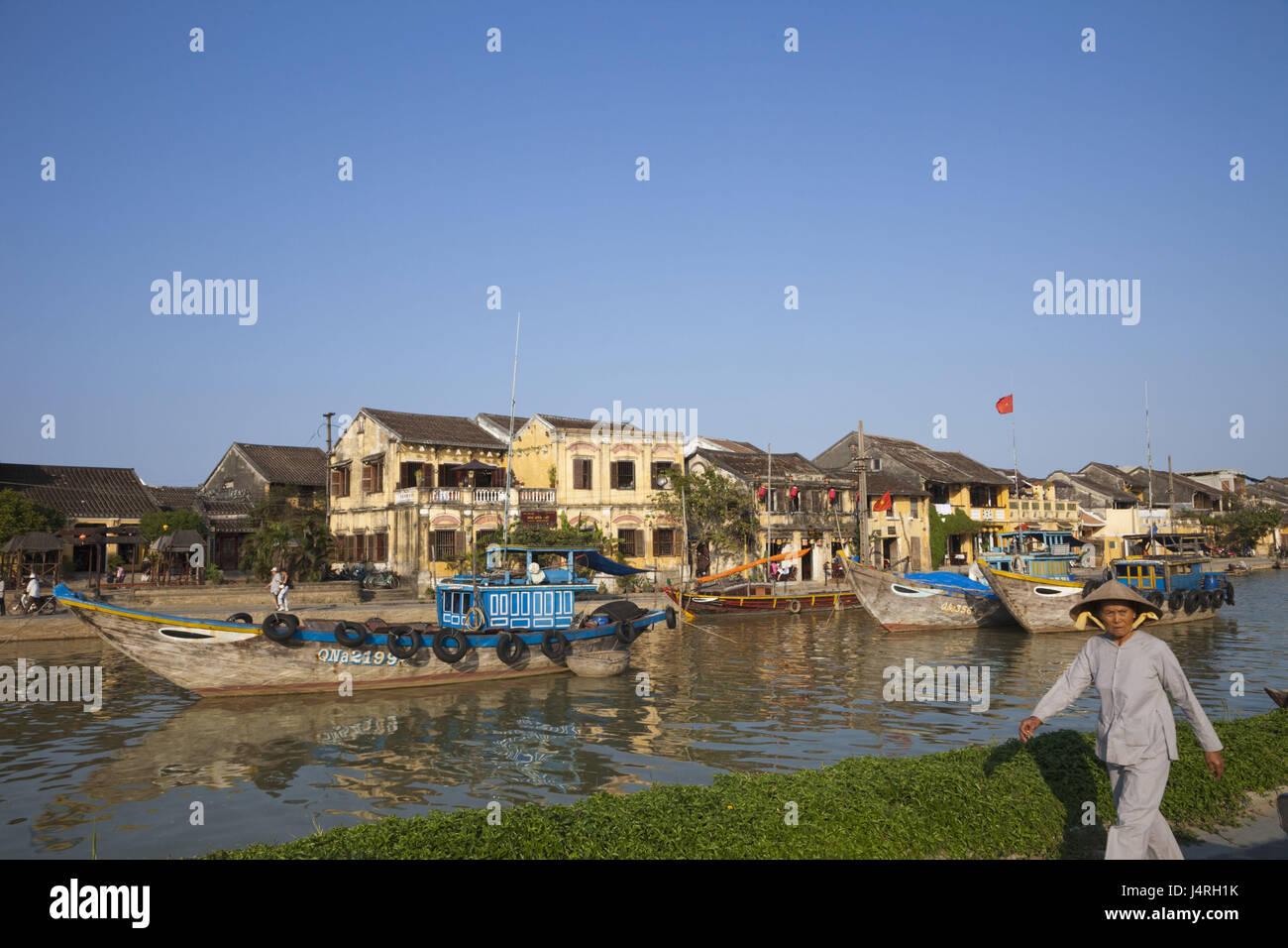Vietnam, Hoi An, en vue de la ville et Thu bon flux, bateaux, femme, aucun modèle libération, Photo Stock