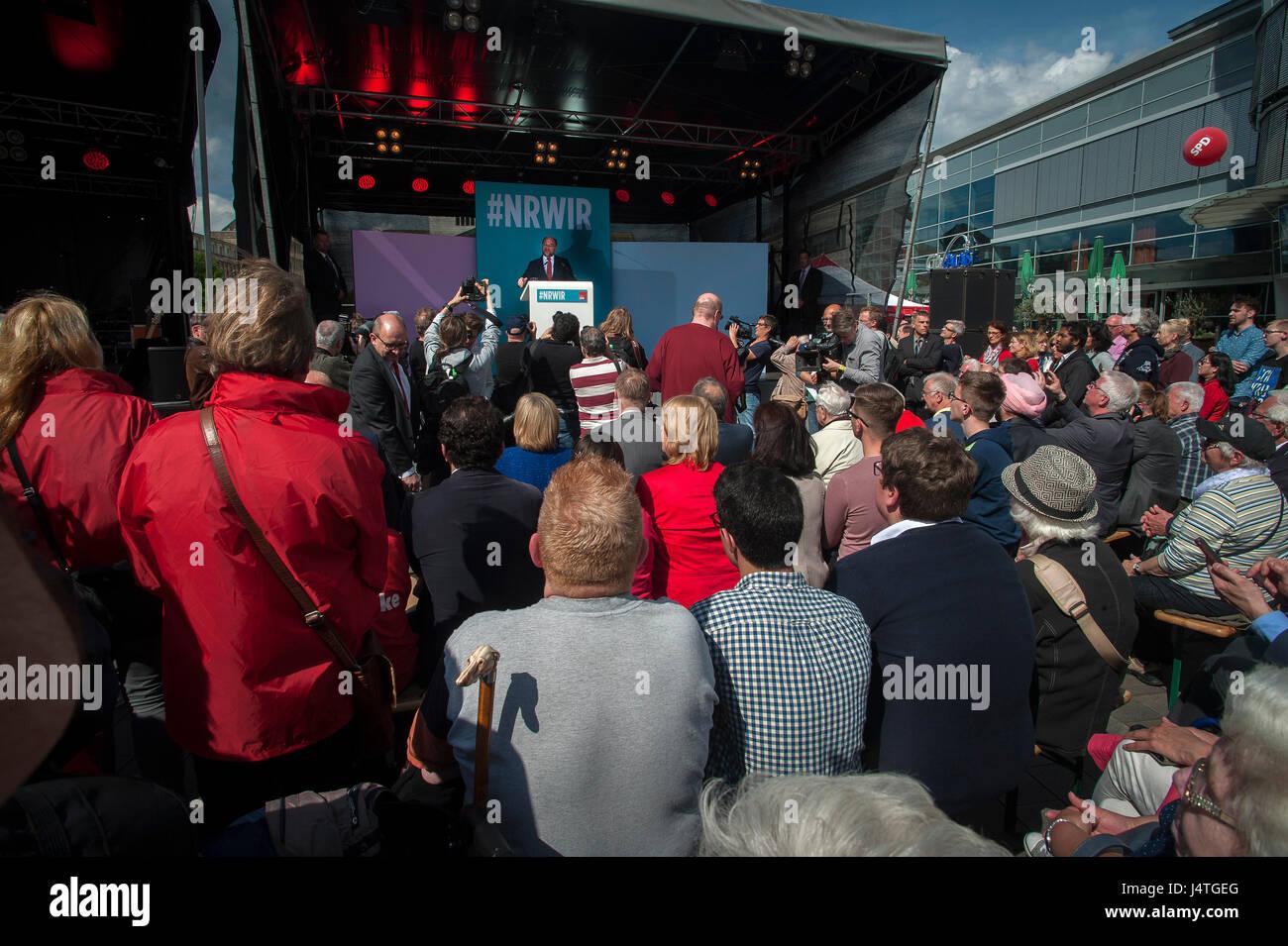 Martin Schulz, leader du SPD s'exprimant lors de rassemblement à Duisburg, Allemagne. Photo Stock