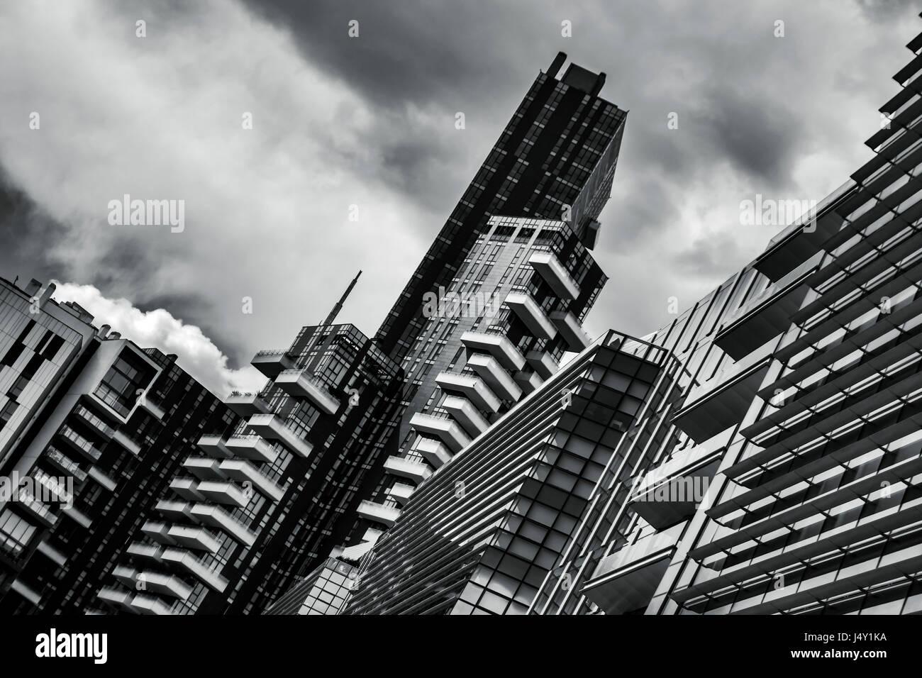 Vue sur l'architecture moderne de la ville de Milan centre-ville et ses bureaux et immeubles d'habitation Banque D'Images