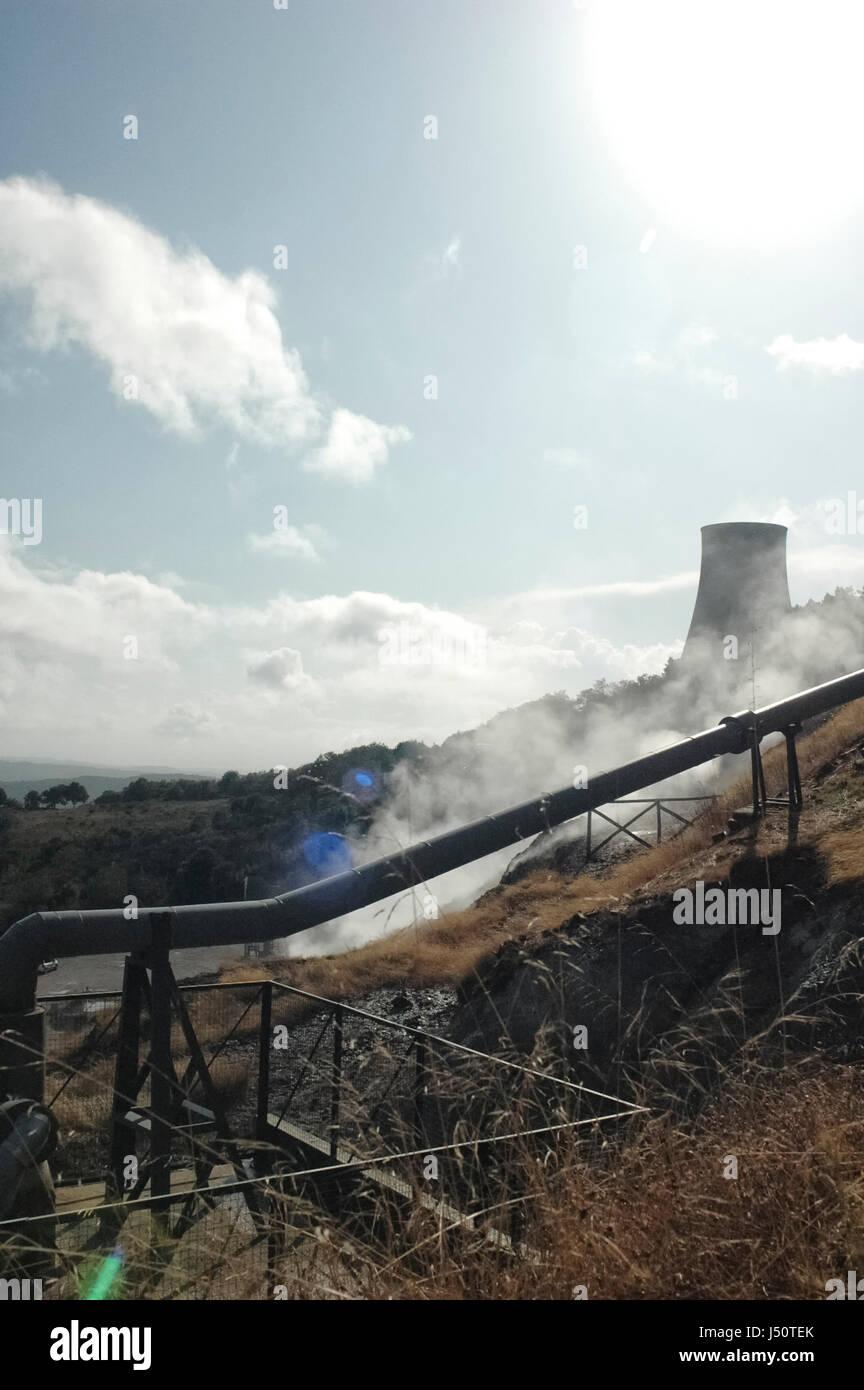 Vue d'une centrale électrique d'énergie géothermique Photo Stock