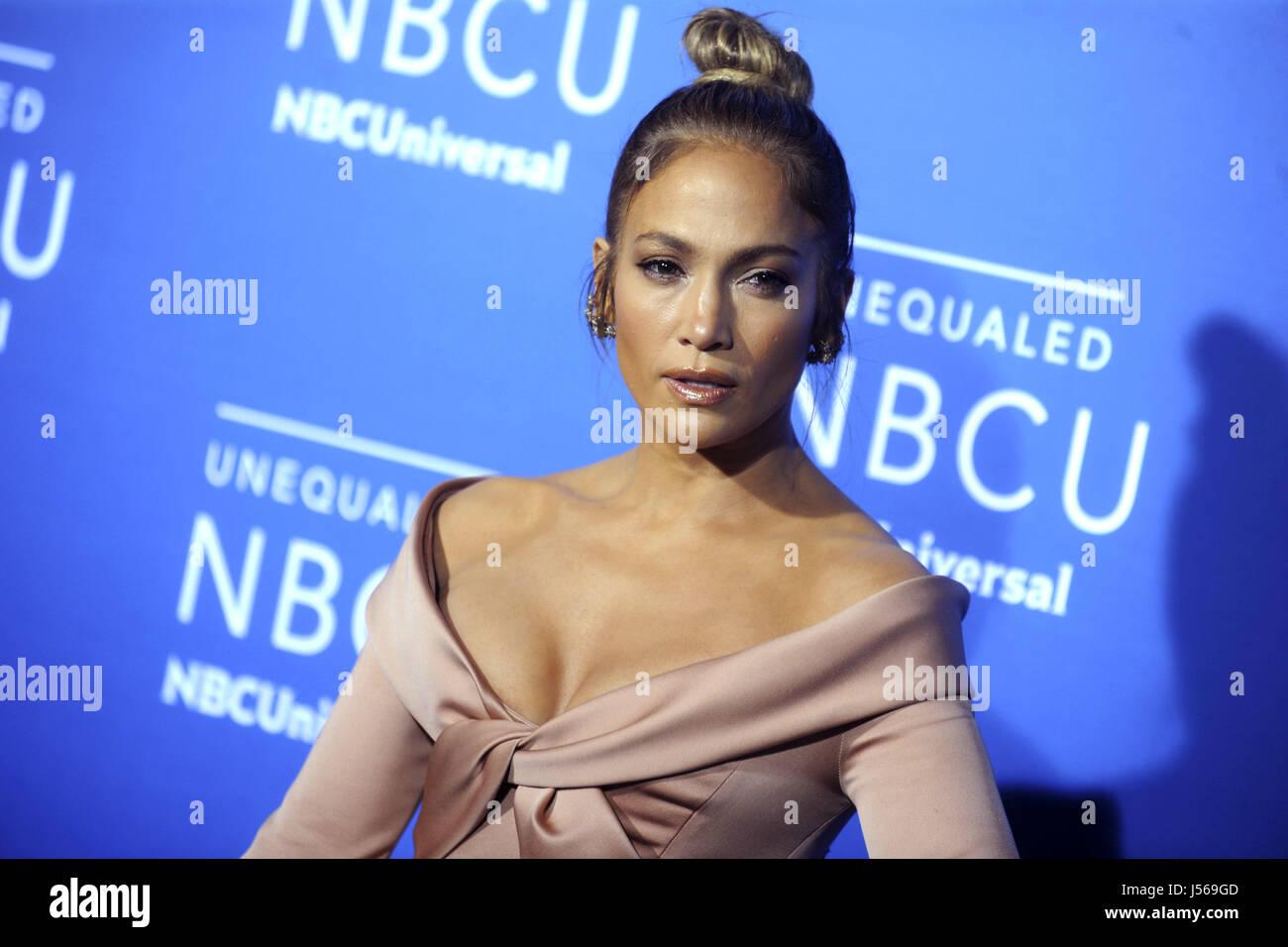 Jennifer Lopez assiste à l'avance 2017 NBCUniversal au Radio City Music Hall le 15 mai 2017 dans la ville Photo Stock