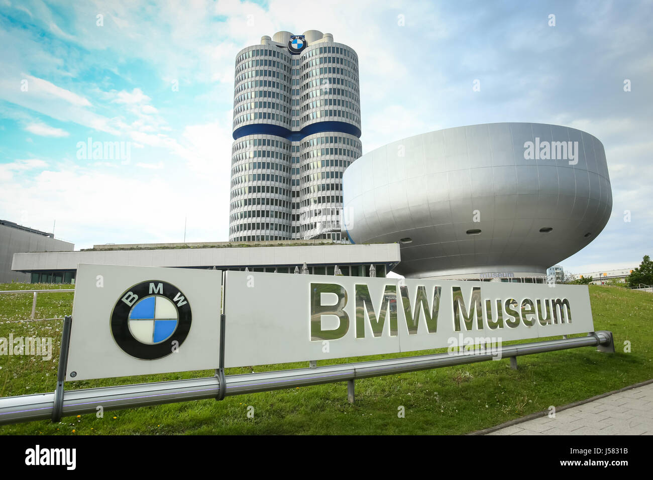 bmw museum bmw design model photos bmw museum bmw design. Black Bedroom Furniture Sets. Home Design Ideas