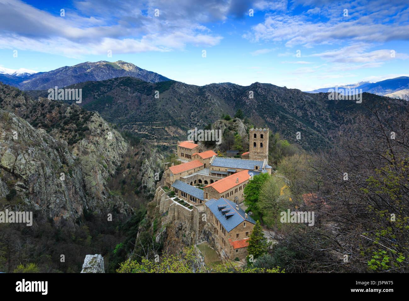 France, Pyrénées-Orientales (66), Casteil, abbaye Saint-Martin du Canigou // France, Pyrenees Orientales, Photo Stock