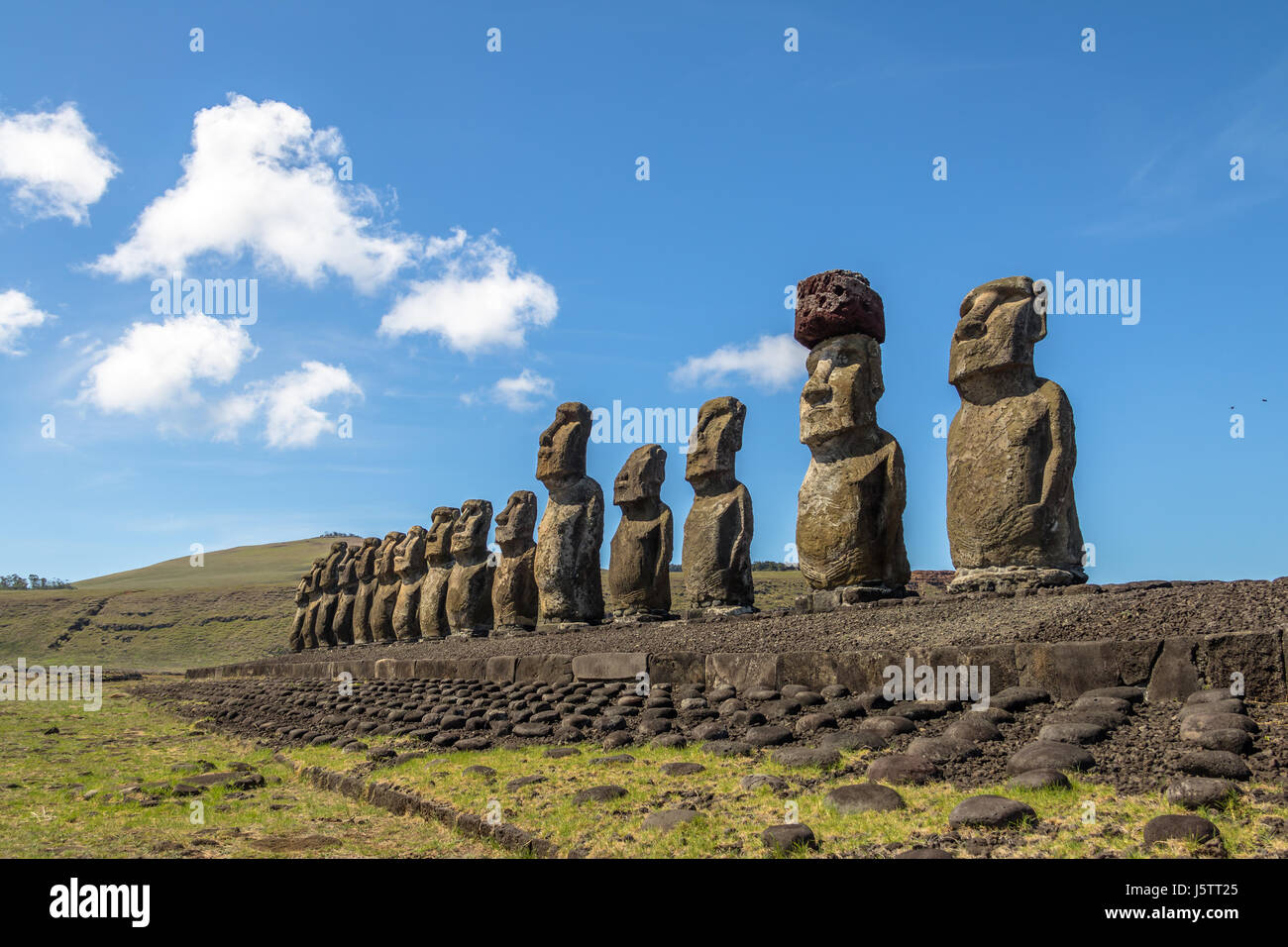 Statues Moai de l'ahu Tongariki - Île de Pâques, Chili Photo Stock