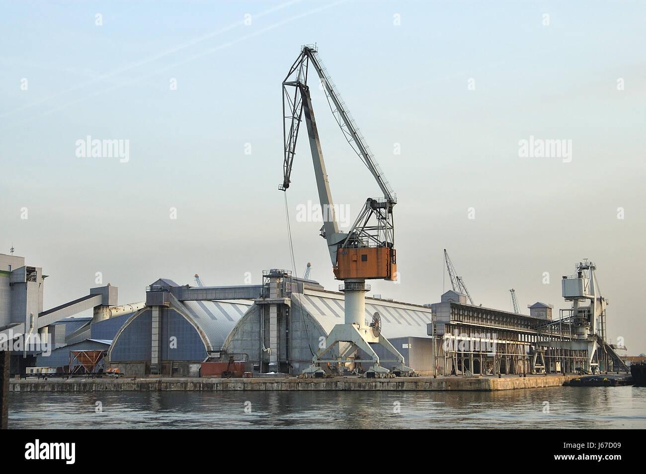 Port des eaux des ports de l'eau Belgique Flandre occidentale Anvers grue industrie des eaux Banque D'Images