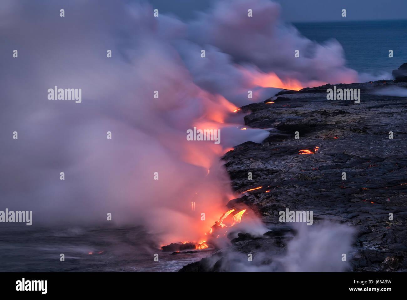 À partir de la lave de Pu'u O'o éruption pénétré dans l'océan; Hawaii Photo Stock