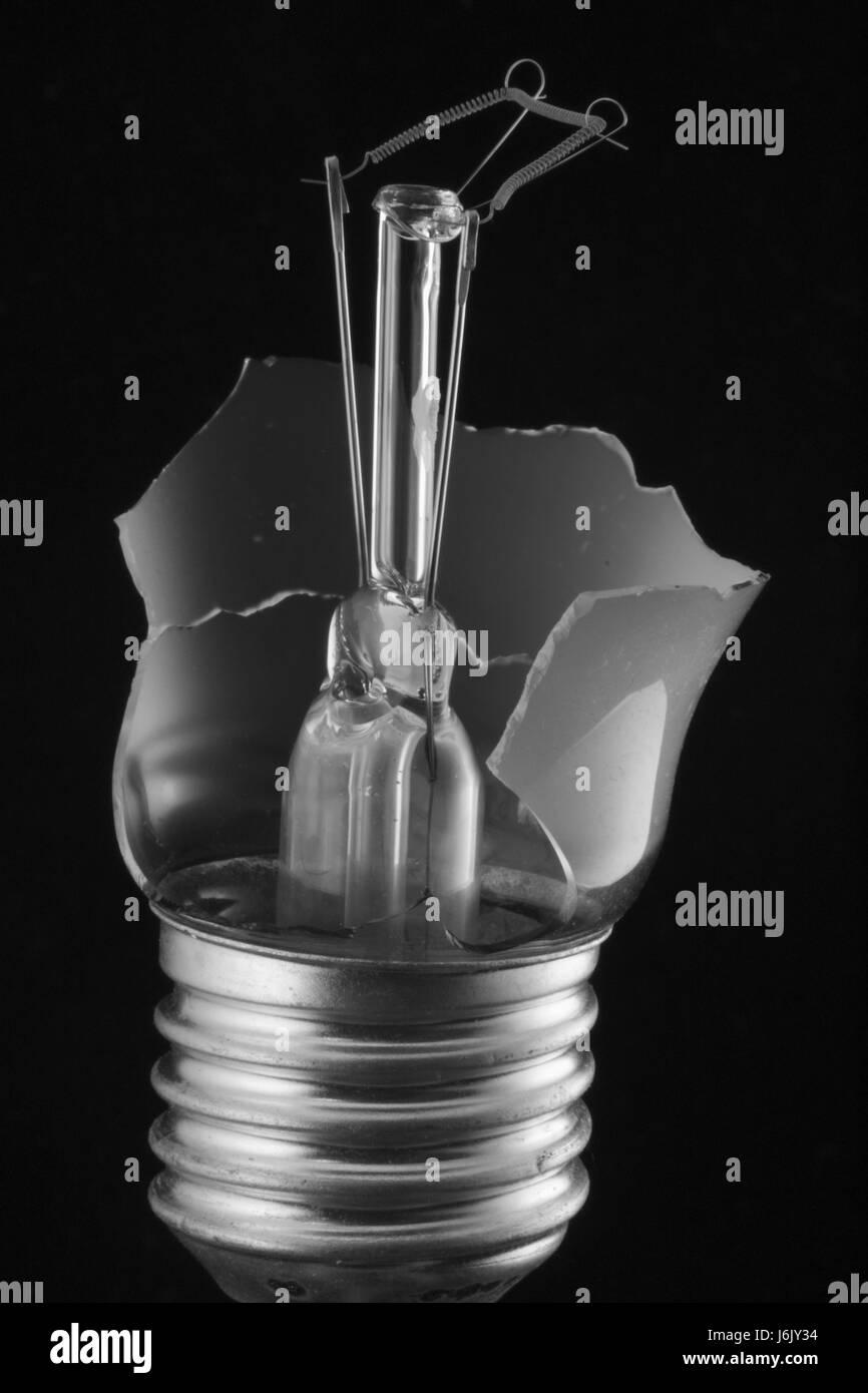 Filament de l'ampoule avec intact Photo Stock