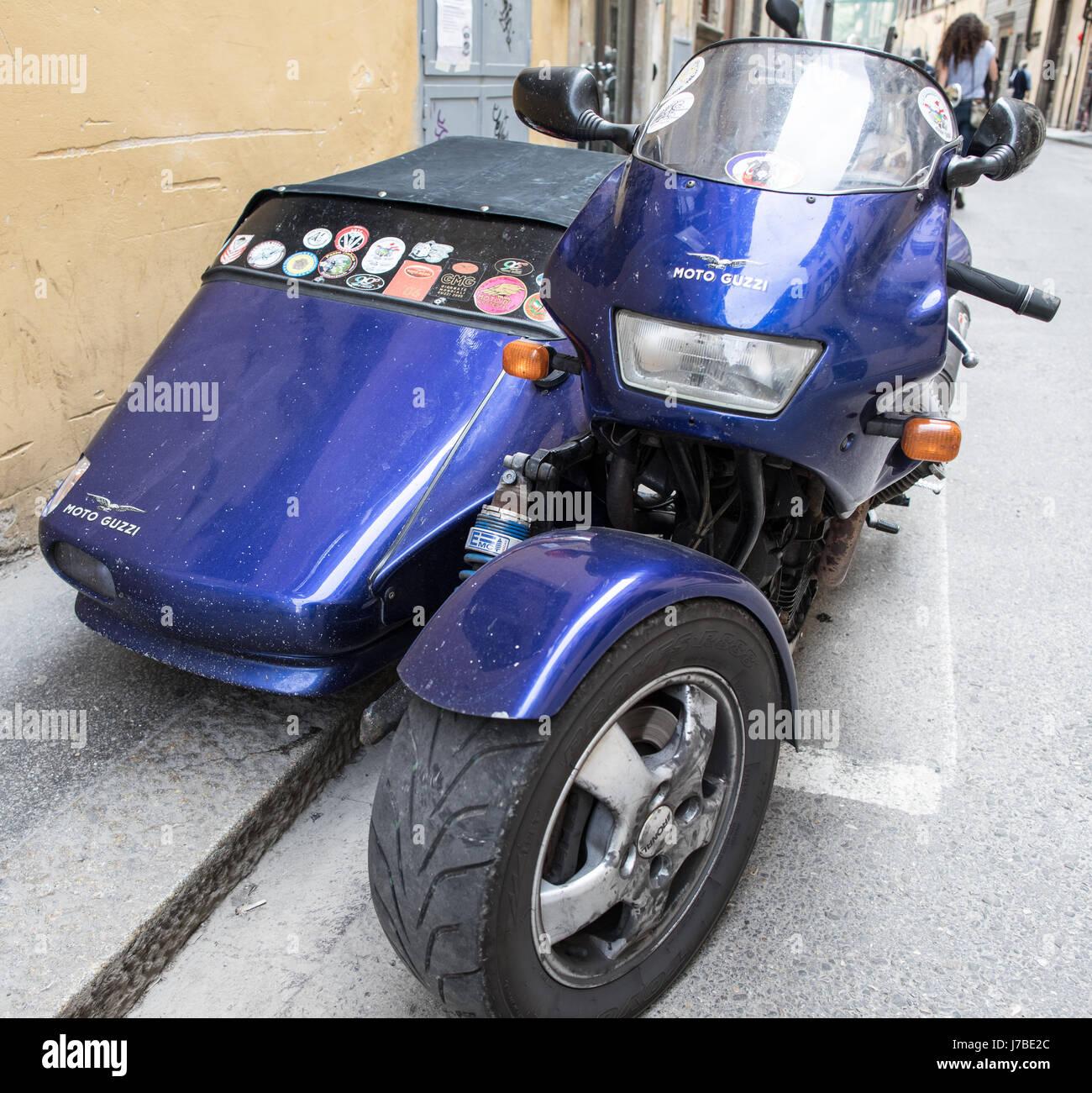 Classic Moto Guzzi moto avec Side Car Florence Italie Banque D'Images