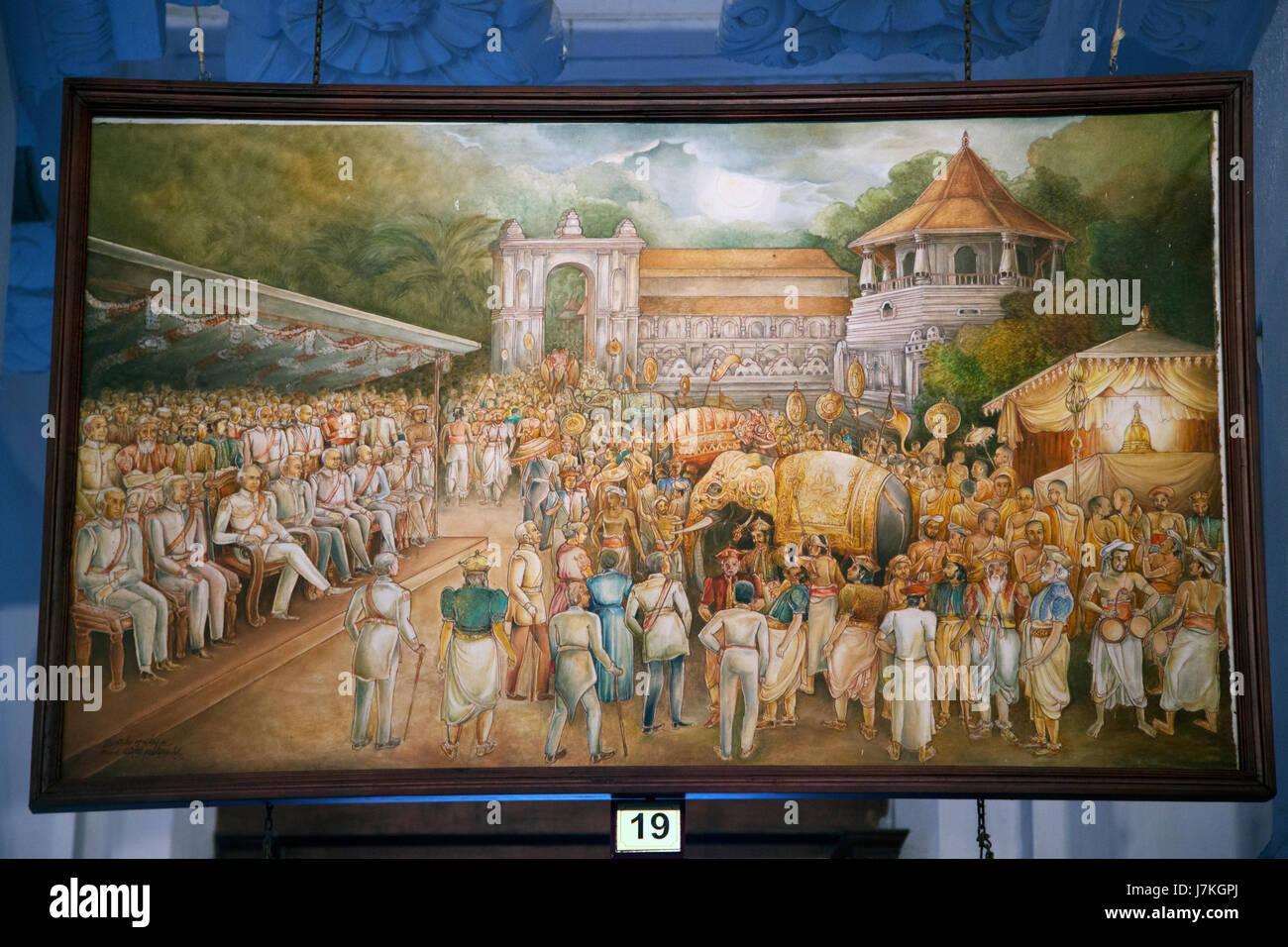 Kandy au Sri Lanka Temple de la dent Sri Dalada peinture Musée de l'histoire de la relique de la dent - Une sécheresse prolongée a été arrêté par une exposition spéciale de la Dent Sacrée et les fortes pluies y résultant de provoqué de graves inondations, qui était nommée Dalada inondations. Gouverneur Edward Barnes a joué le rôle principal d'organiser cette exposition avec le faste et la gloire Banque D'Images
