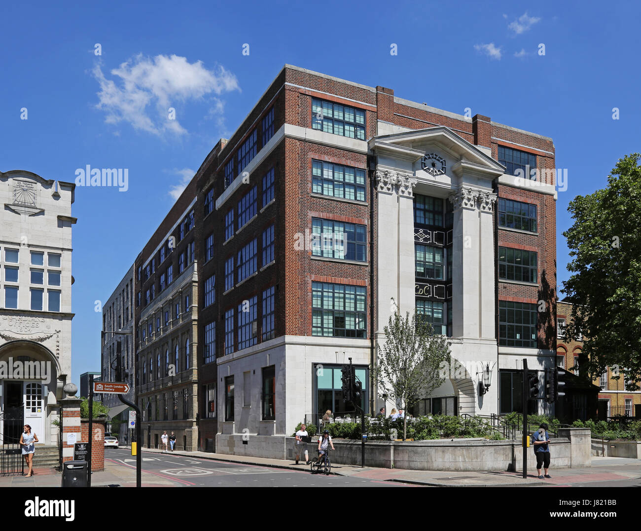 Southwark Old Town Hall sur Peckham Road, Londres, Royaume-Uni. Construite en 1934, aujourd'hui convertis en Photo Stock