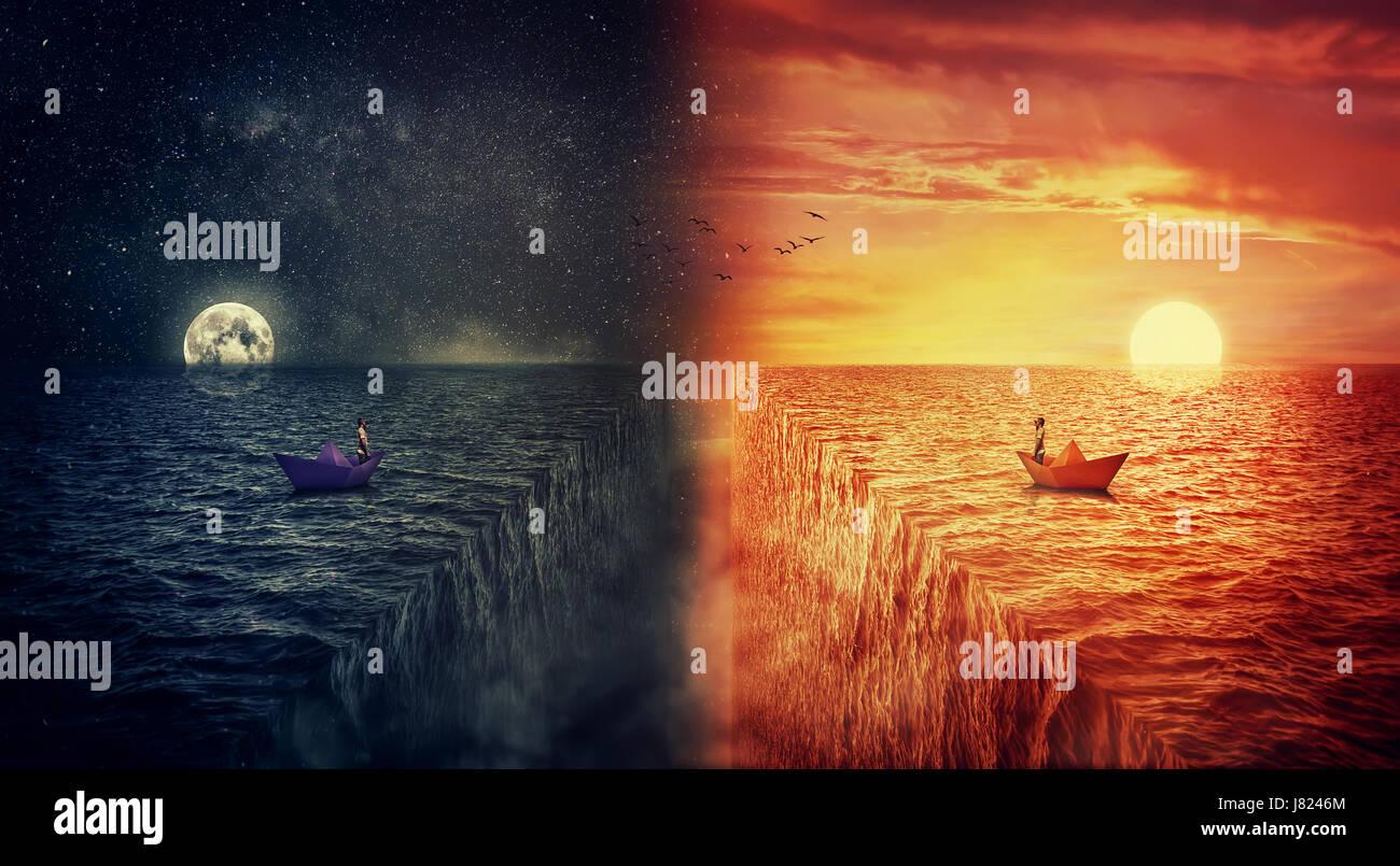 Vue conceptuelle des deux mondes entrent en collision, comme un homme perdu, dans un bateau de papier, la voile Photo Stock