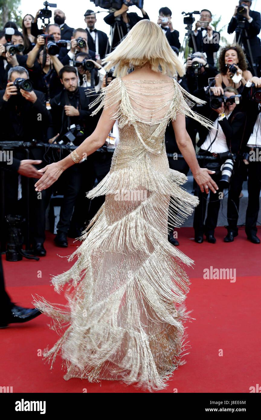 Cannes, Frankreich. 28 mai, 2017. Uma Thurman participant à la fermeture de nuit du 70 Festival du Film de Photo Stock