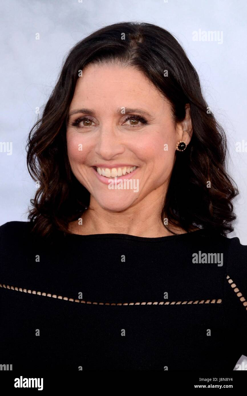 North Hollywood, CA. 25 mai, 2017. Julia Louis-Dreyfus devant le hall des arrivées pour FYC série pour Photo Stock