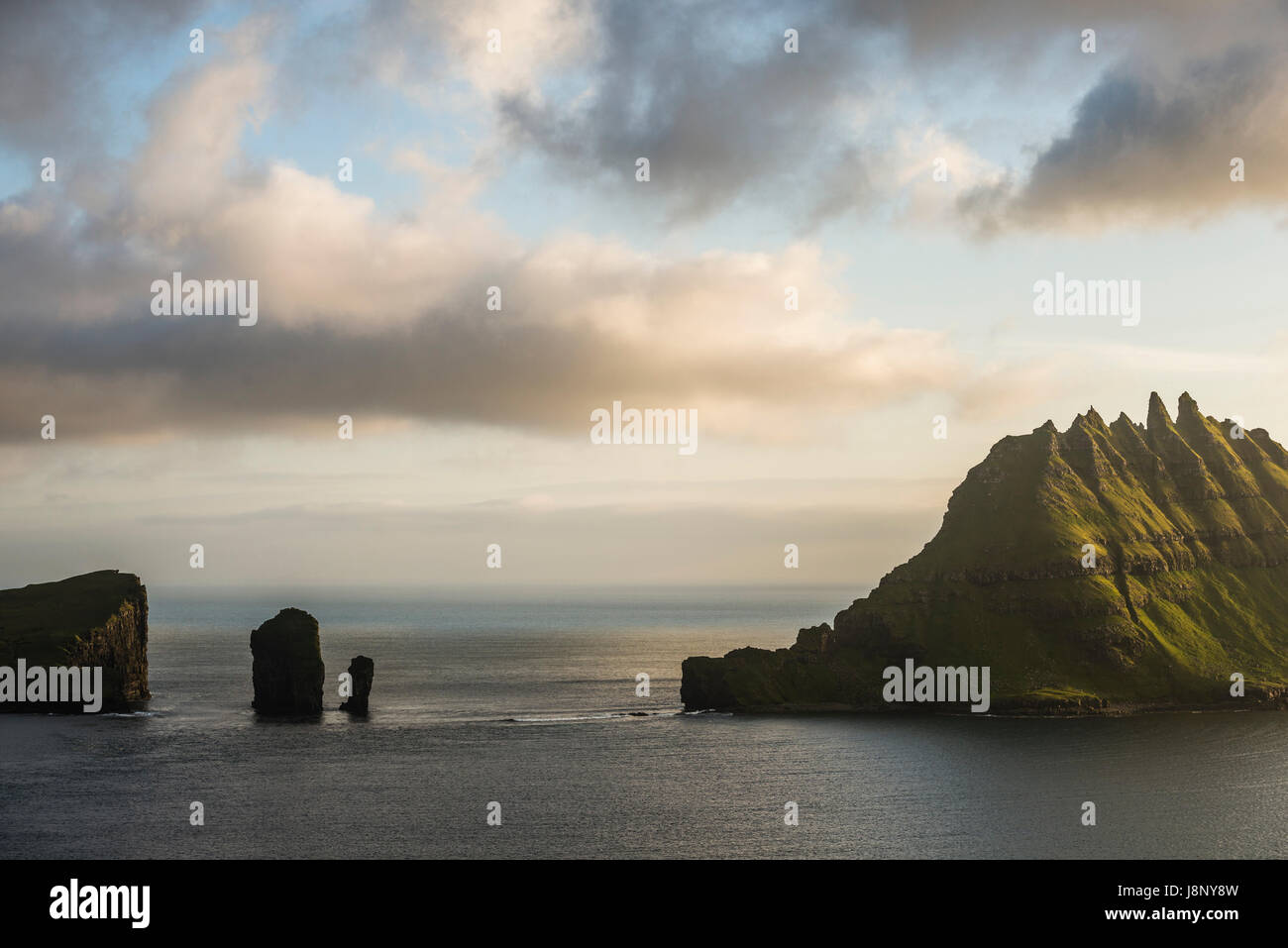 Rock formations in sea Banque D'Images