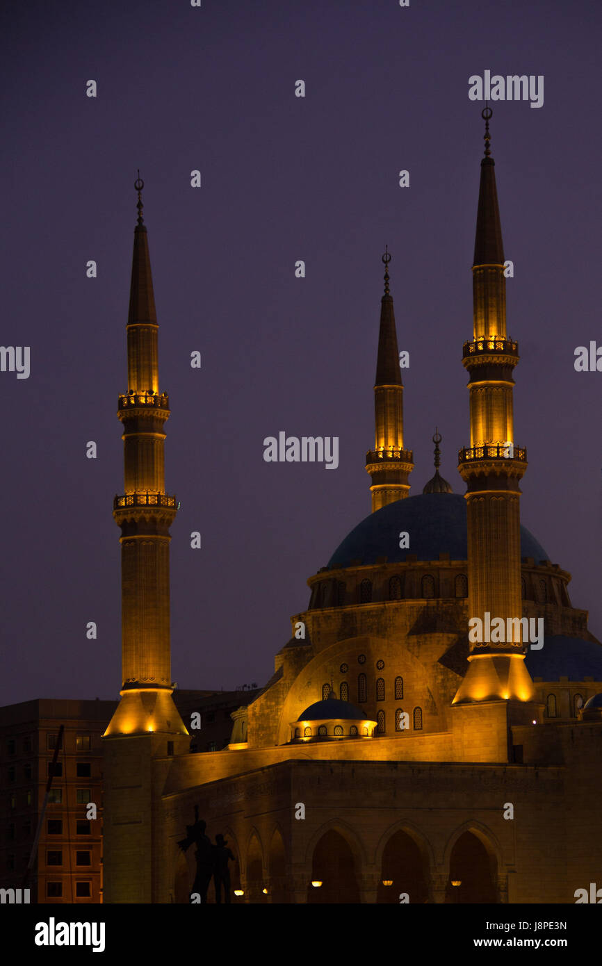 Mohammed Al Amin mosque at night, Beyrouth Photo Stock