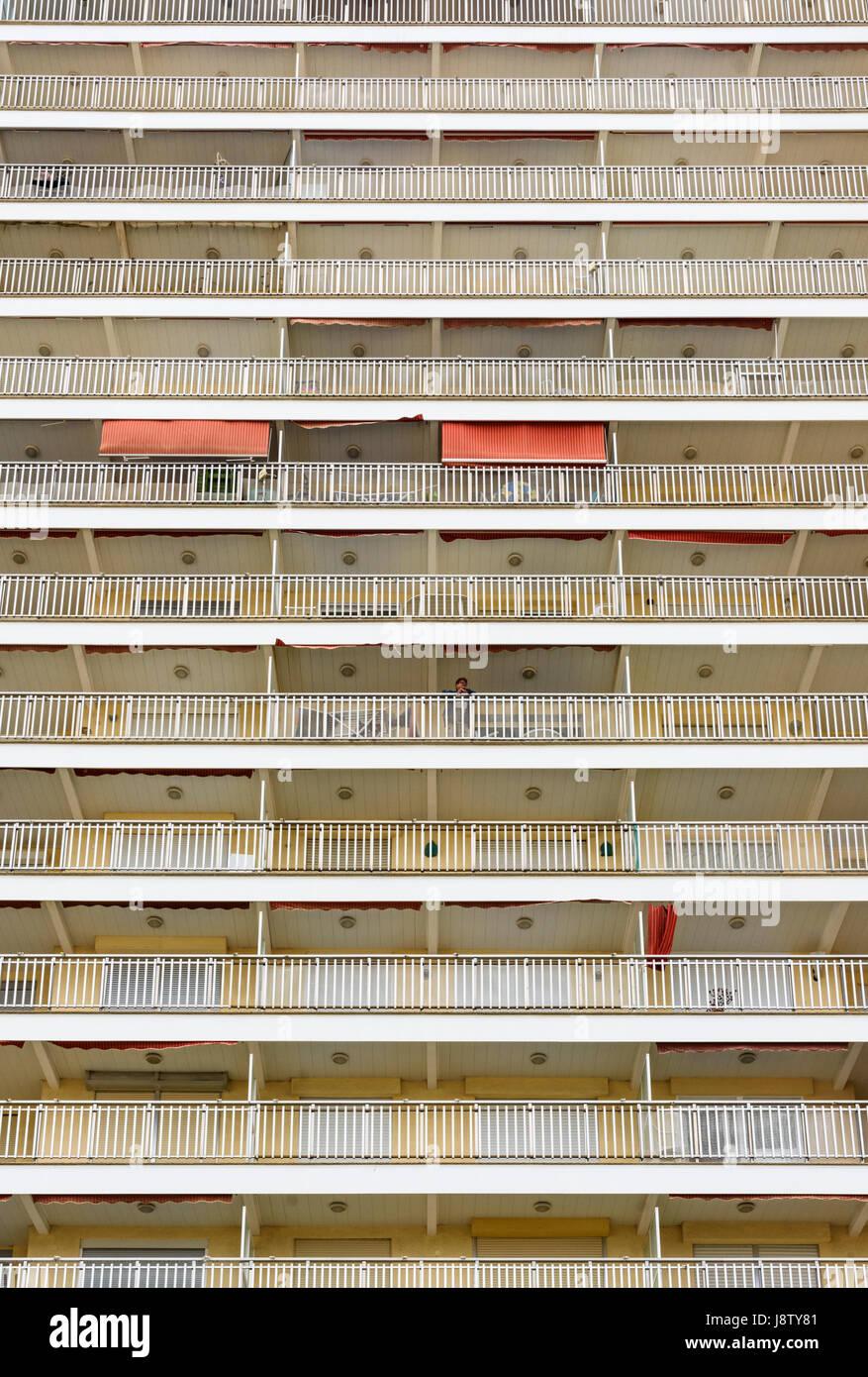 Tour moderne en détail appartements de vacances sur la Costa del Azahar, Peniscola, Espagne Photo Stock