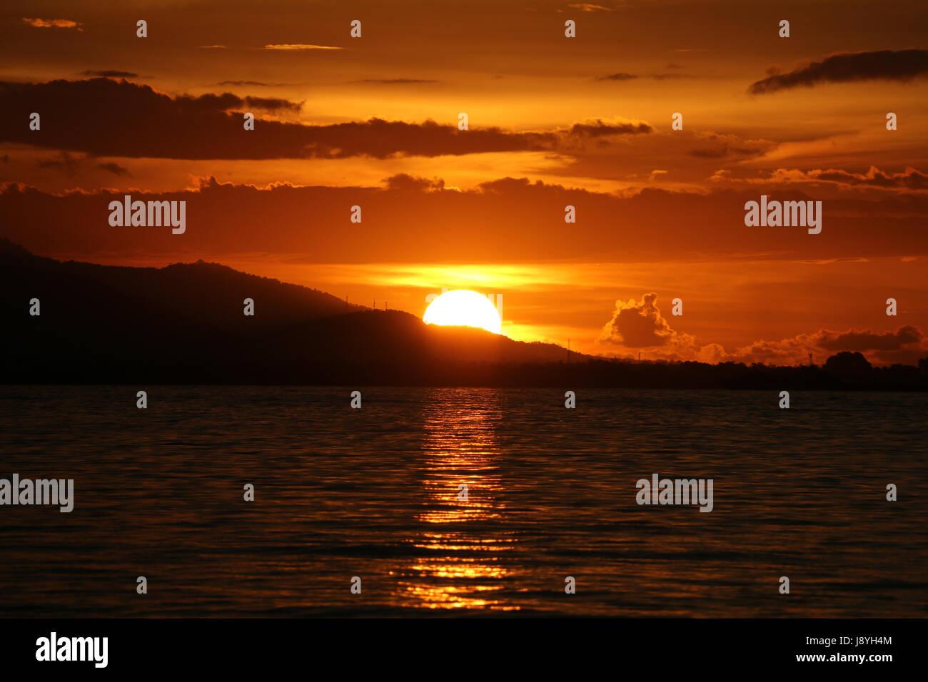 Coucher du soleil à Díli, le Timor-Leste Banque D'Images