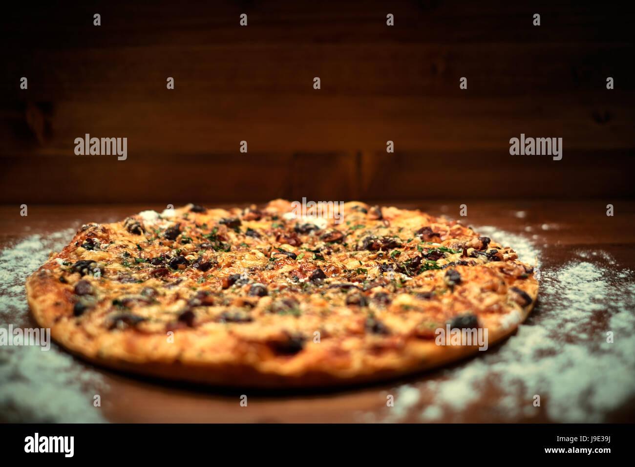 De délicieuses pizzas italiennes Photo Stock