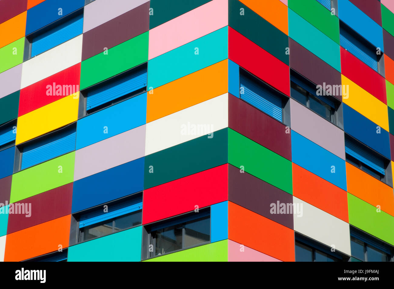Façade de l'immeuble. Colorines PAU carabanchel, Madrid, Espagne. Photo Stock