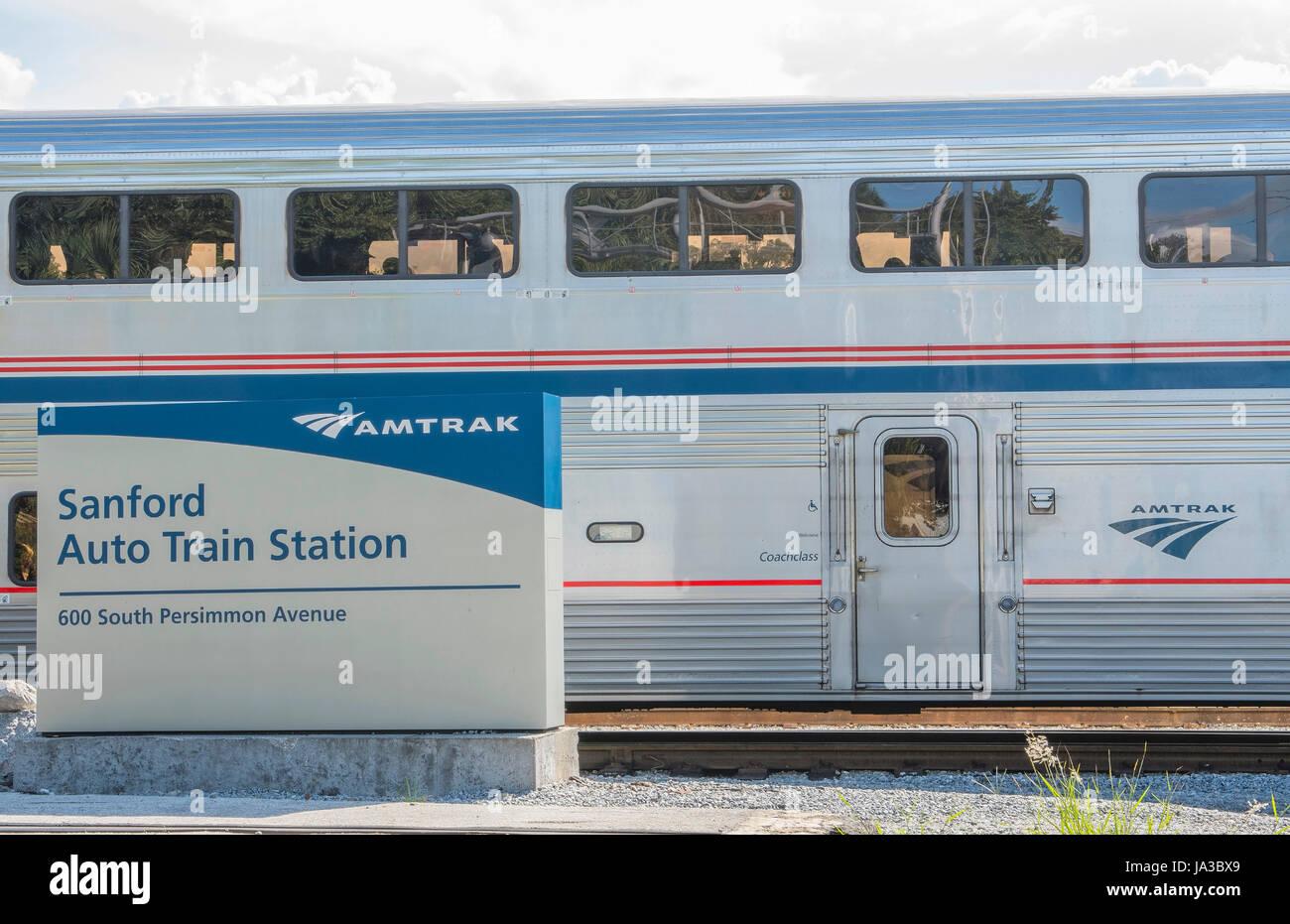 Sanford Florida Auto Train Amtrak de la Floride à Washington DC avec des wagons du train, Banque D'Images