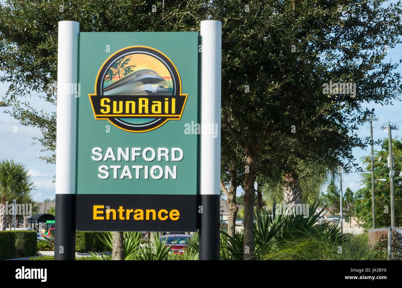 Soleil de Floride Sanford Train ferroviaire de transport en commun pour les habitants de la Floride gare train en Banque D'Images