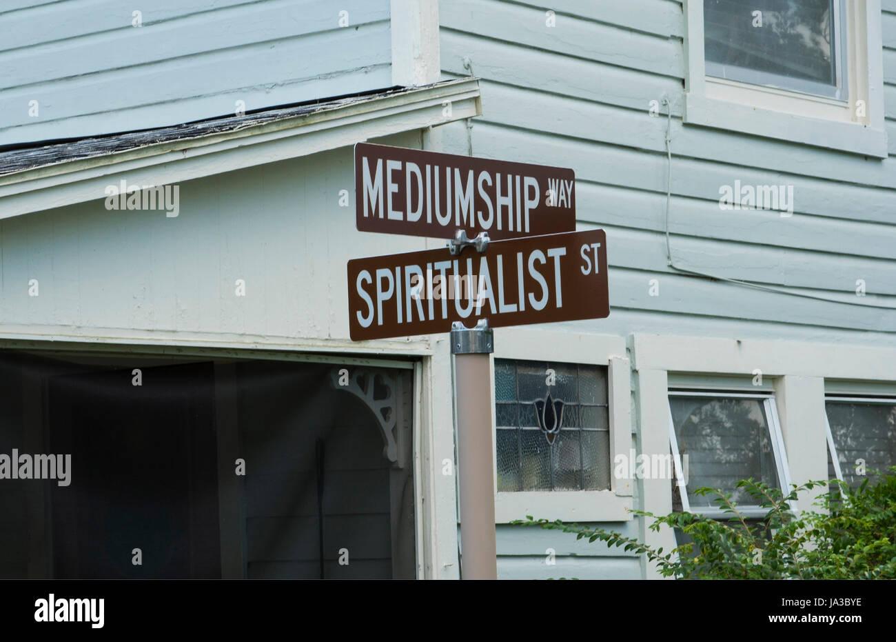Cassadaga spiritualiste de la Floride et de la rue moyenne ville rue spiritualiste de voyants et mediums dans le Banque D'Images