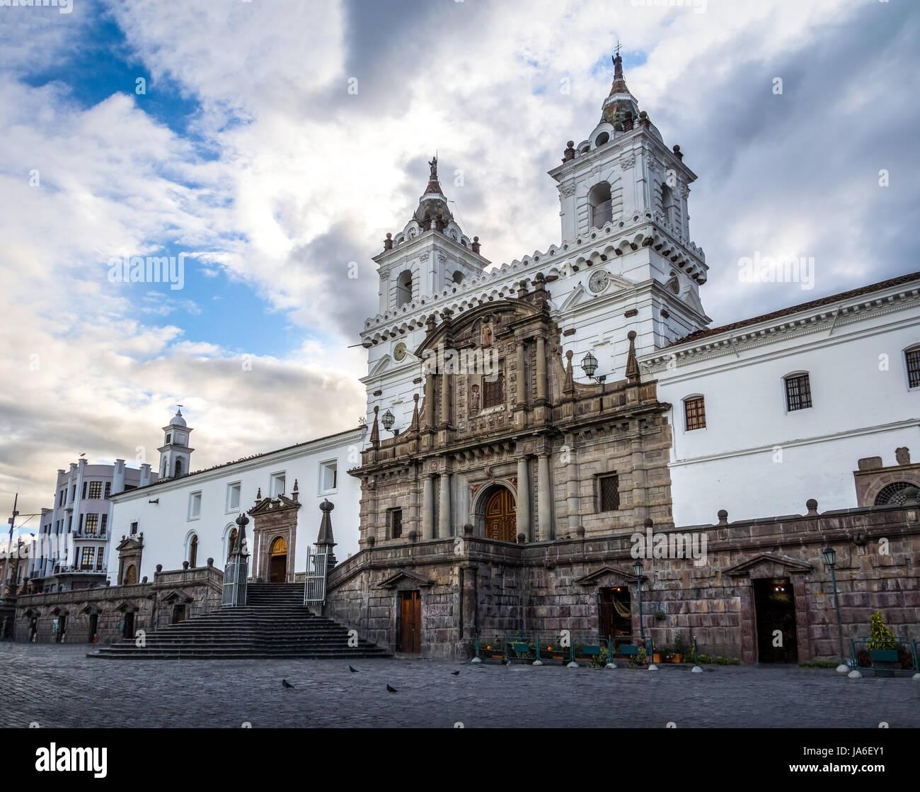 Plaza de San Francisco et St Francis Church - Quito, Équateur Photo Stock
