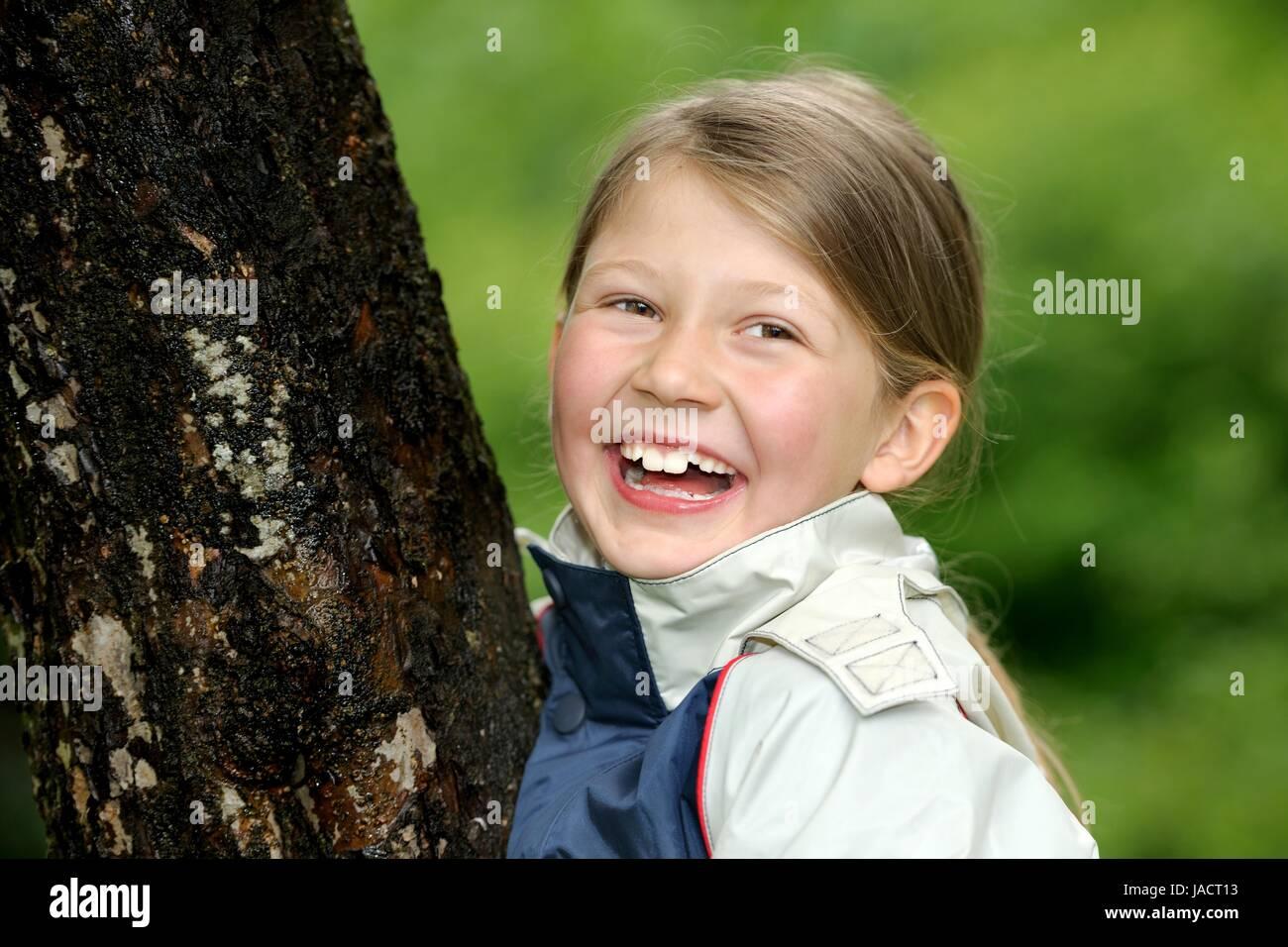 Mädchen, Baum, Umarmen, Beschützen, Bewahren, Schutz, genre, Schützen, Umweltschutz, Ökologie, Photo Stock