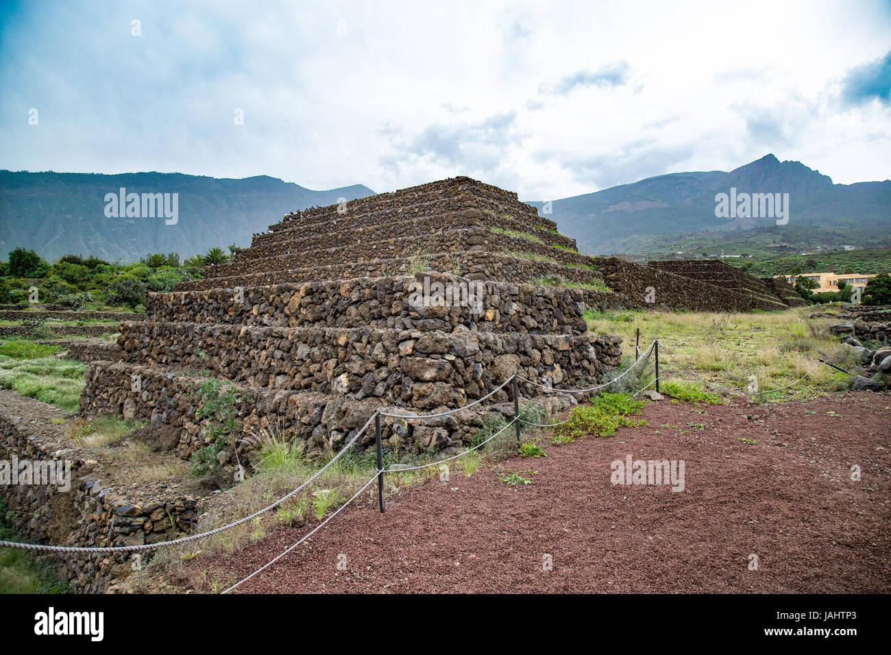 Les Pyramides de Güimar, mitoyenne construites à partir de pierre de lave sans l'utilisation de mortier, Photo Stock