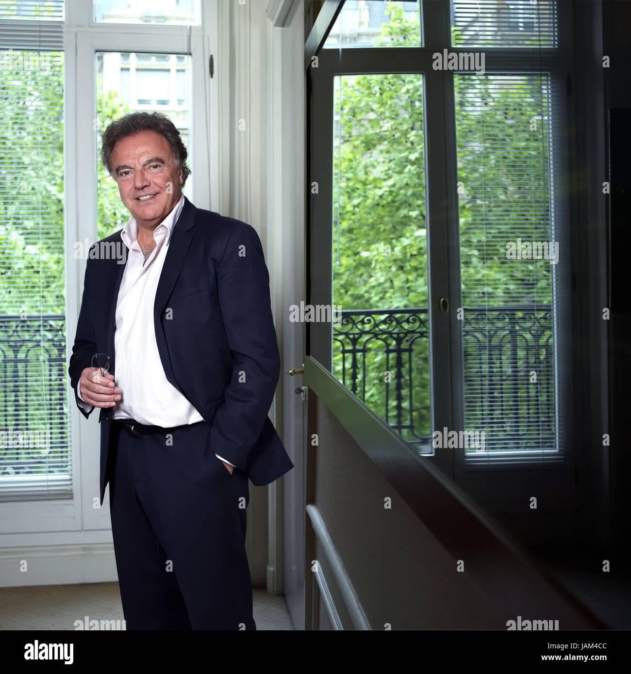 ce1c109dbc Alain Afflelou, homme d'affaires français et l'opticien. 22 mai 2012