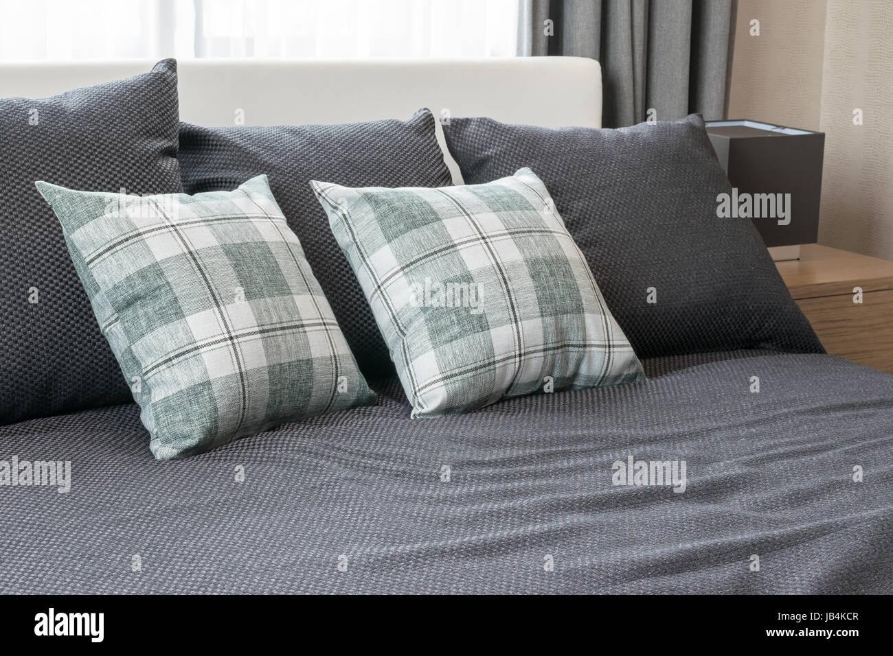 Design d\'intérieur chambre à coucher avec lit gris vert sur les ...