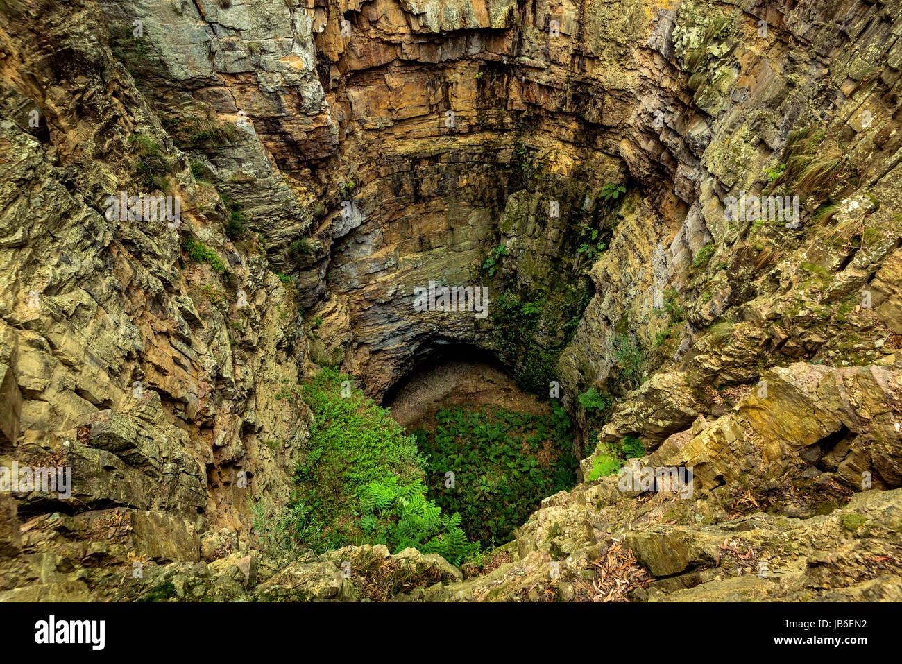 Le grand trou dans le Parc National Deua, Nouvelle Galles du Sud Photo Stock