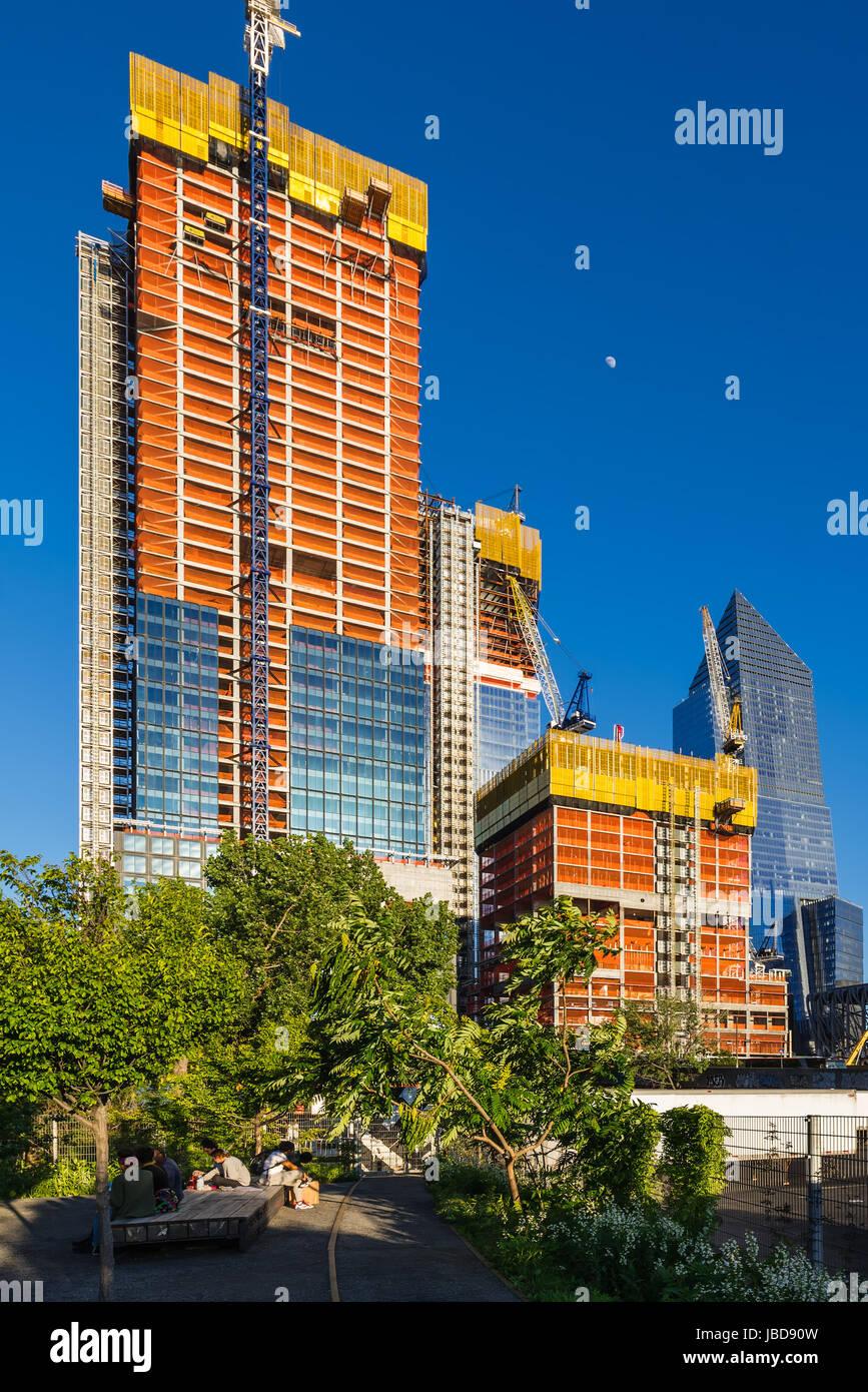 Le Hudson Yards chantier (2017) avec la fin de la ligne élevée. Midtown, Manhattan, New York City Photo Stock