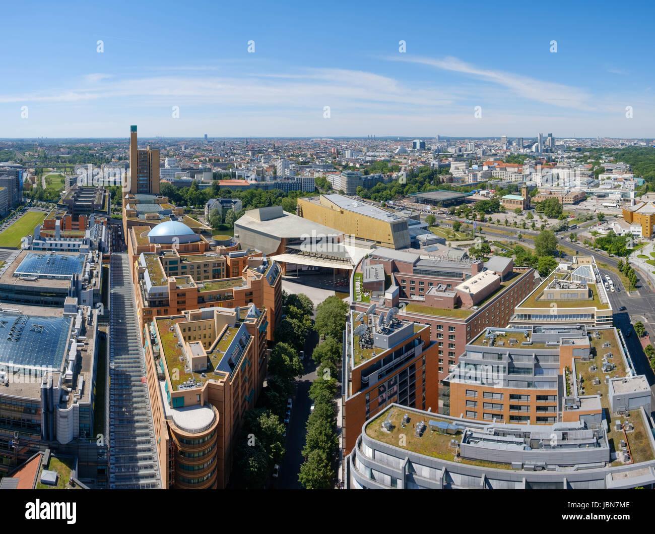 les toits de la ville de berlin berlin panorama arial du centre ville de berlin allemagne. Black Bedroom Furniture Sets. Home Design Ideas