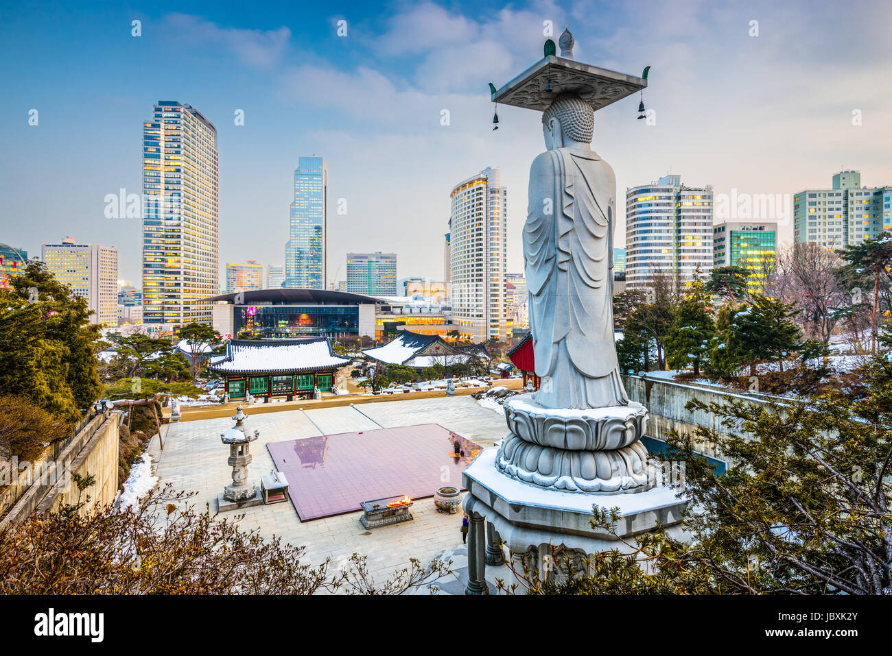 Séoul, Corée du Sud de l'horizon du Temple de Bongeunsa. Photo Stock
