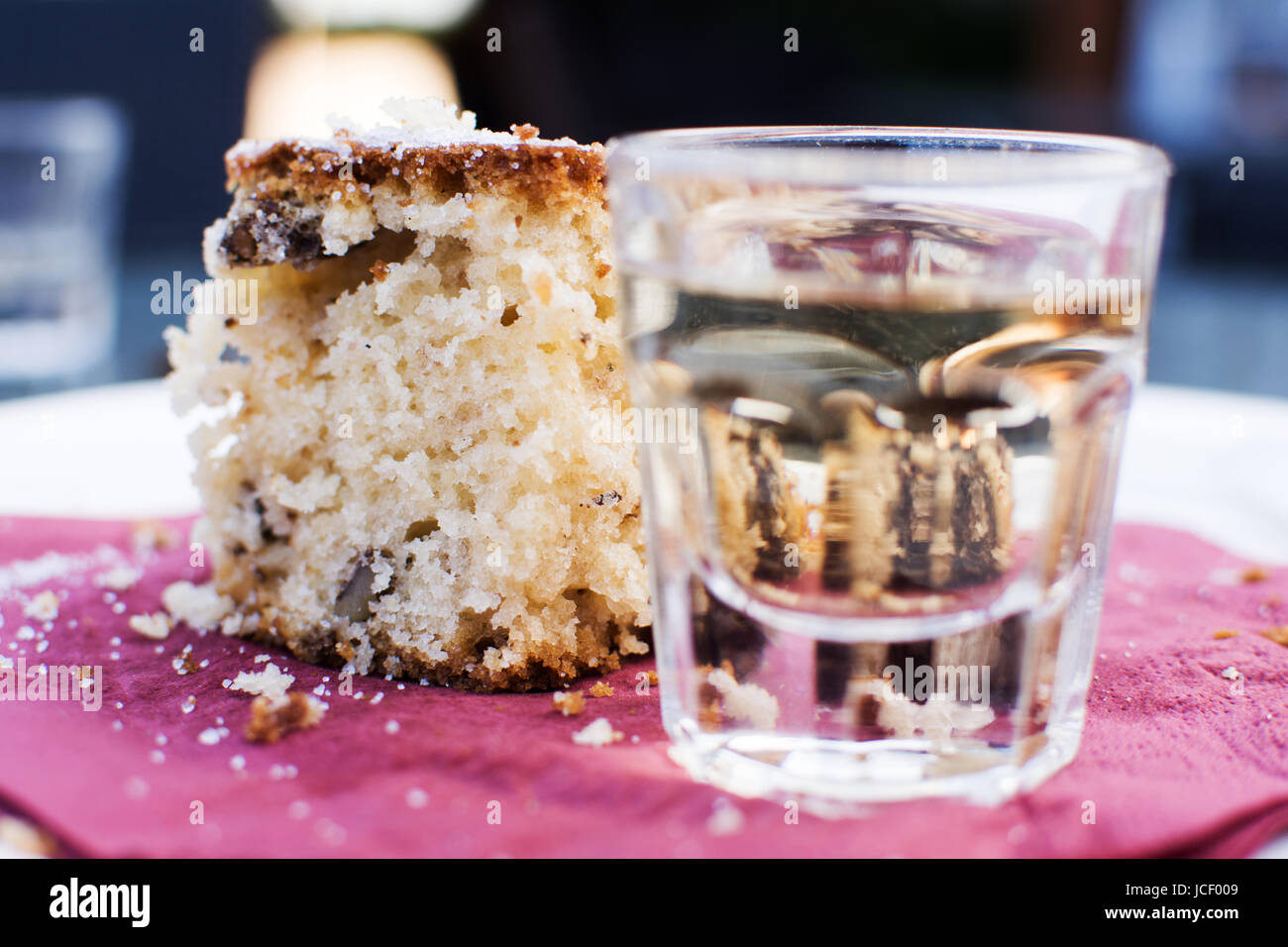 Gâteau aux fruits maison et Liqueur de citron Limoncello Banque D'Images