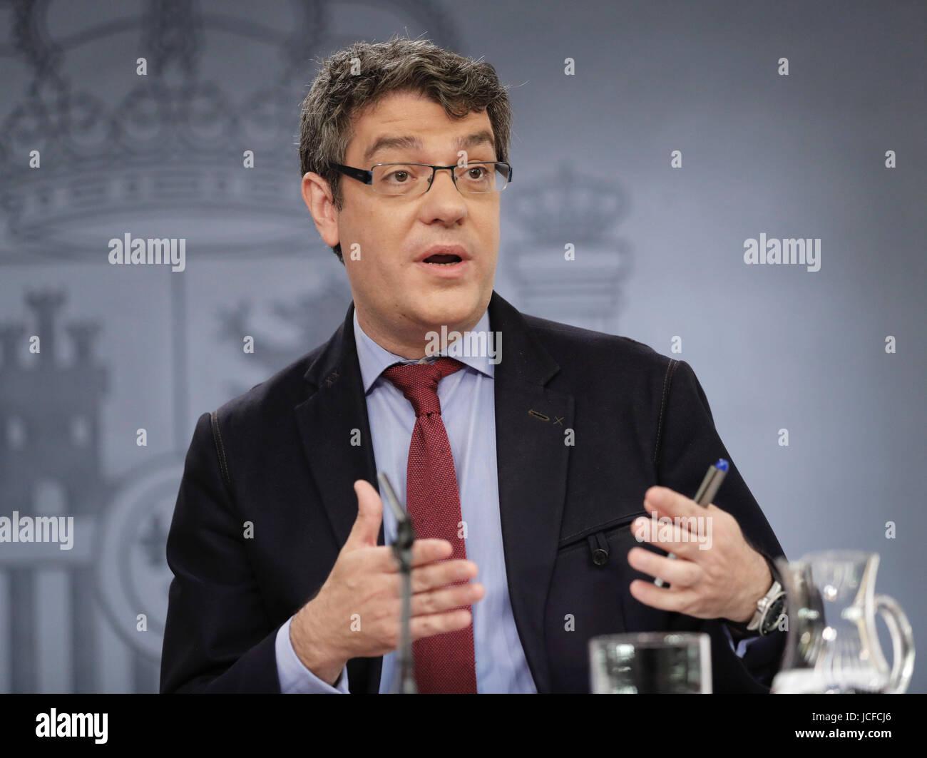 L'espagnol de l'énergie, du Tourisme et ministre de l'Agenda Numérique, Alvaro Nadal, traite Photo Stock