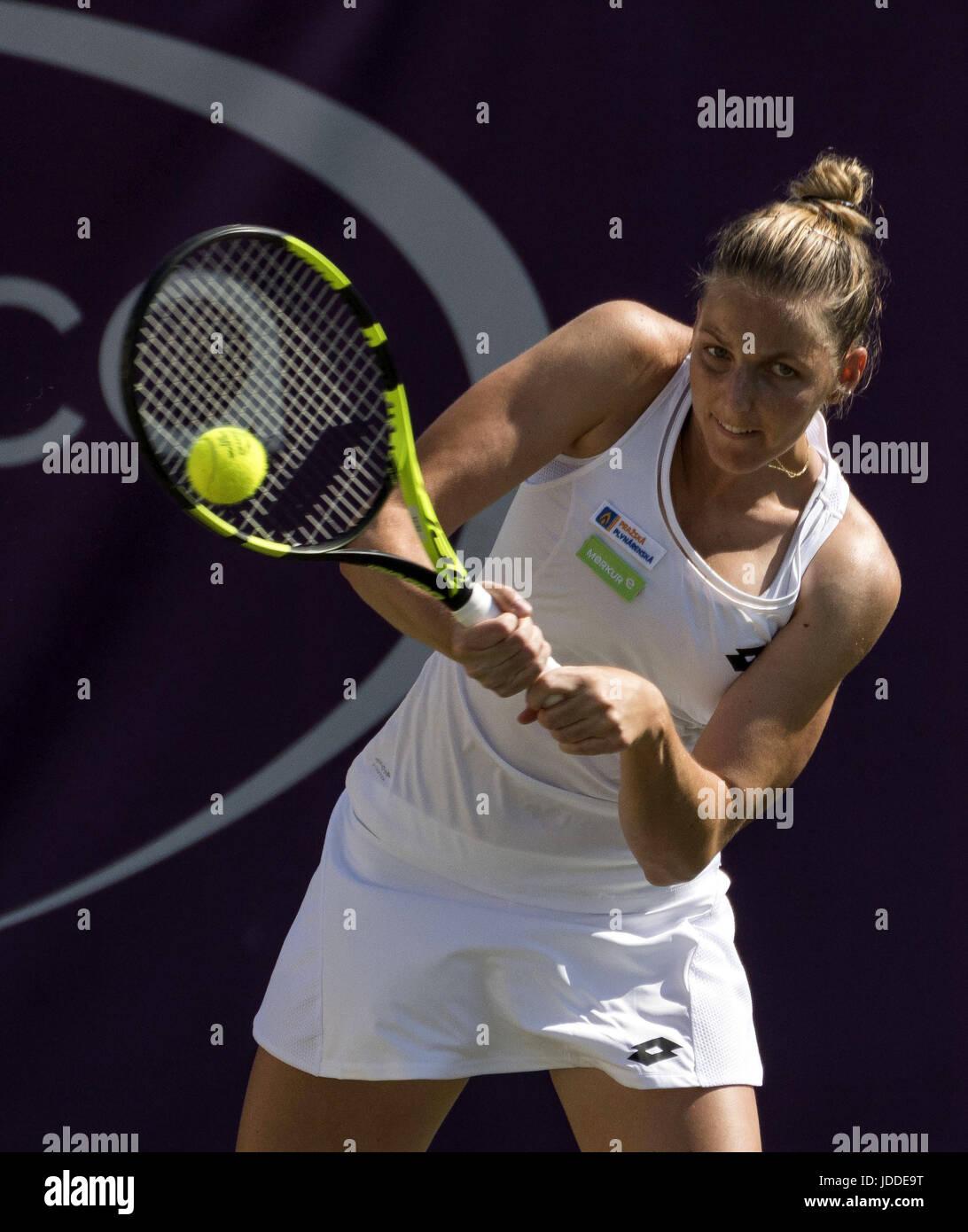 Anastasija Sevastova Joueur De Tennis Tchque Renvoie La Balle Timea Babos Hongrois Au Cours Premire Ronde LOpen WTA Dans Mallorca