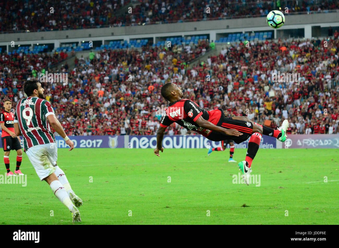 RIO DE JANEIRO, RJ, 18.06.2017 --FLUMINENSE FLAMENGO - Zagueiro Juan Flamengo, durante confronto pela oitava rodada Photo Stock