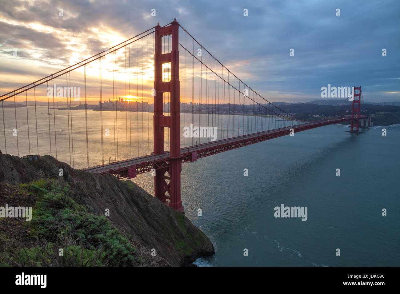 Golden Gate Bridge au lever du soleil Photo Stock