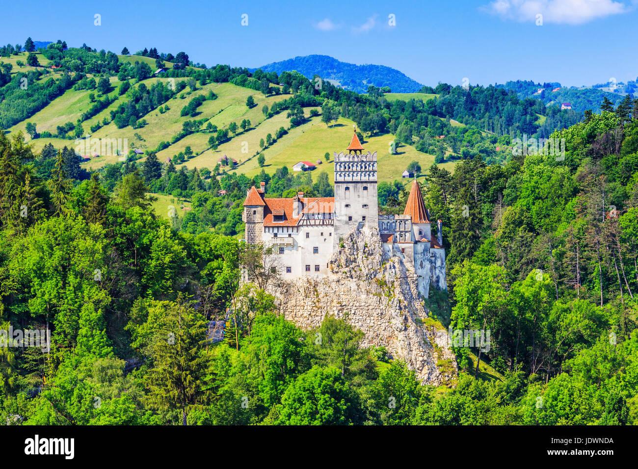 Brasov, en Transylvanie. La Roumanie. Le Château médiéval de Bran, connu pour le mythe de Dracula. Photo Stock