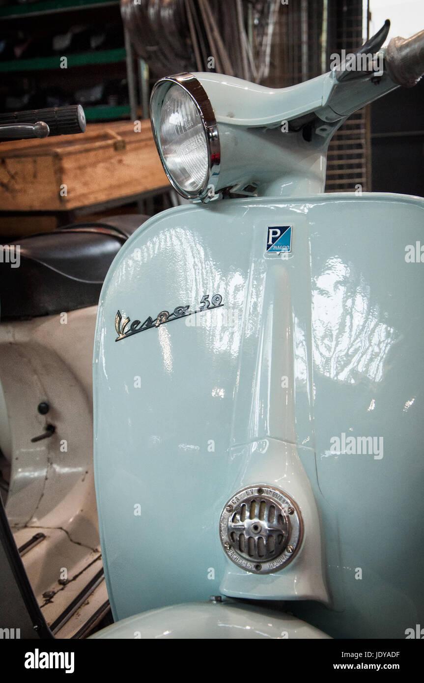 Rimini , Italie - février 12, 2017: piaggio vespa vintage scooter sprint moto Moto spécial 50 Banque D'Images
