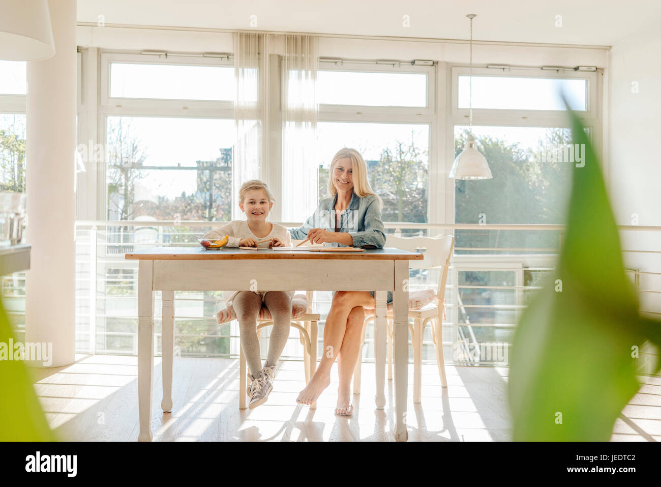 Mature Woman and girl à rassembler Photo Stock