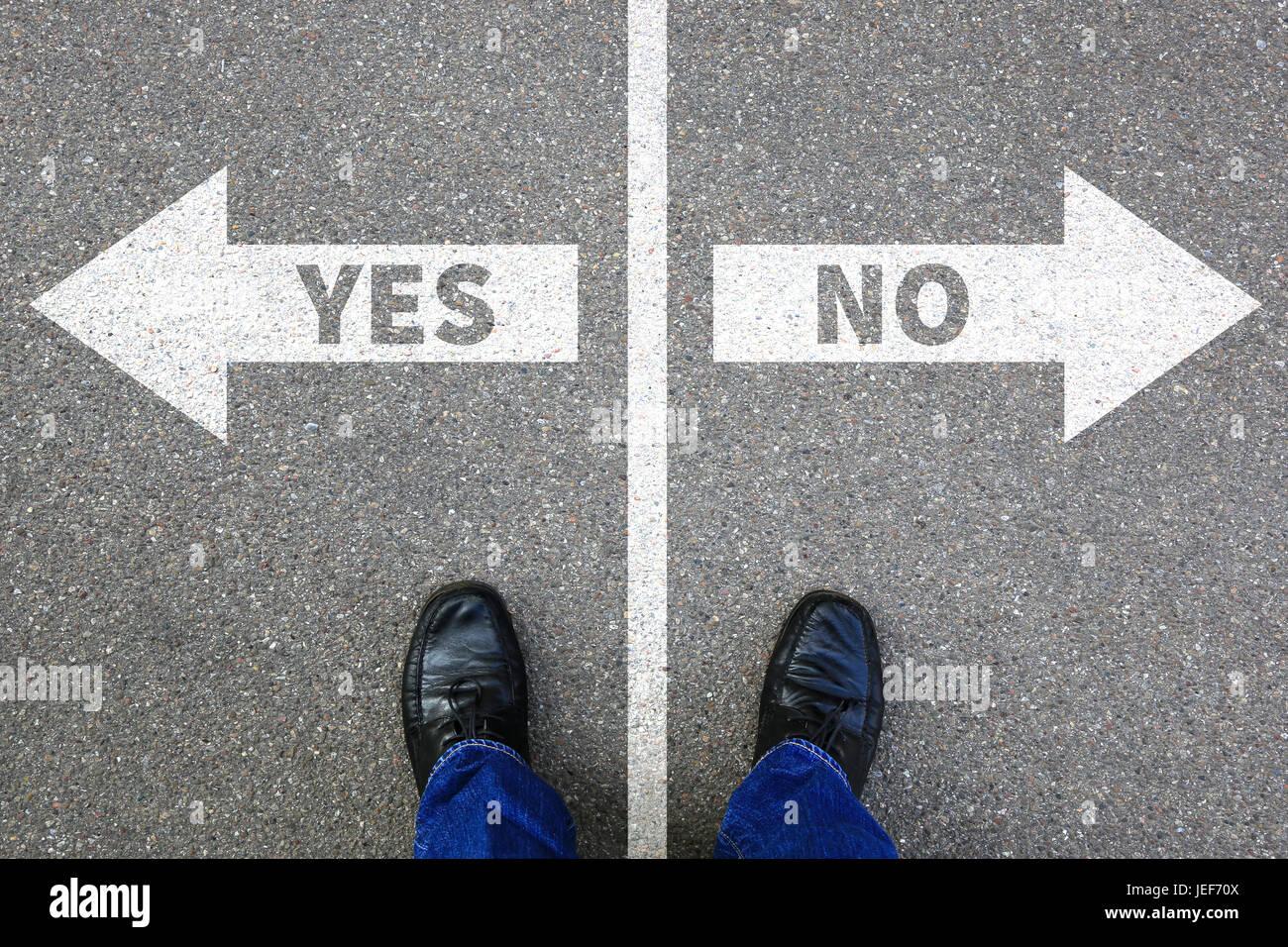 Oui pas de bonne réponse fausse solution du concept d'entreprise décider décision choix Photo Stock