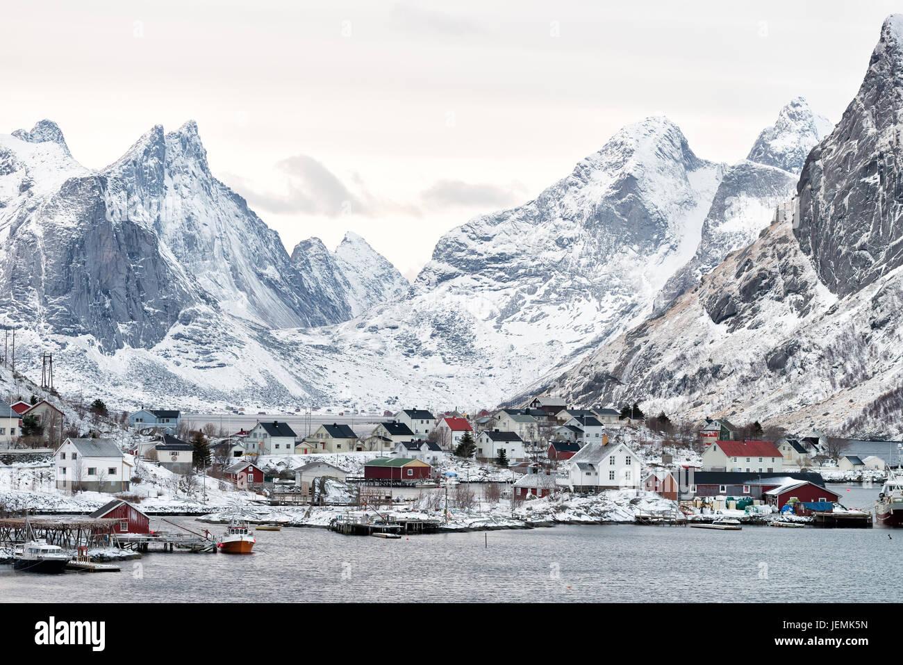 Reine village sur les îles Lofoten, Norvège Photo Stock