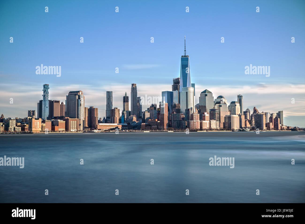 Le centre-ville de Manhattan longue exposition Photo Stock