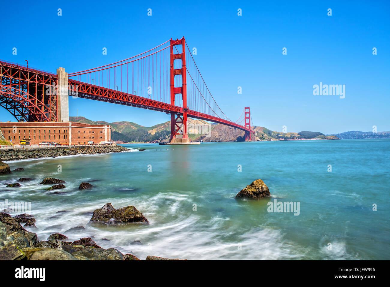 Une longue exposition de Golden Gate Bridge à San Francisco Photo Stock