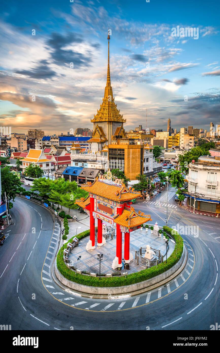 Bangkok, Thaïlande Chinatown rond-point au crépuscule. Photo Stock