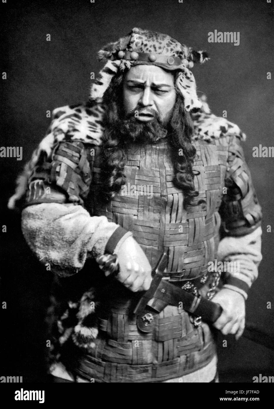 Claudius, roi de Danemark, de William Shakespeare's Hamlet, joué par M. Oscar Asche. 1905. Dialogue d'accompagnement: Photo Stock